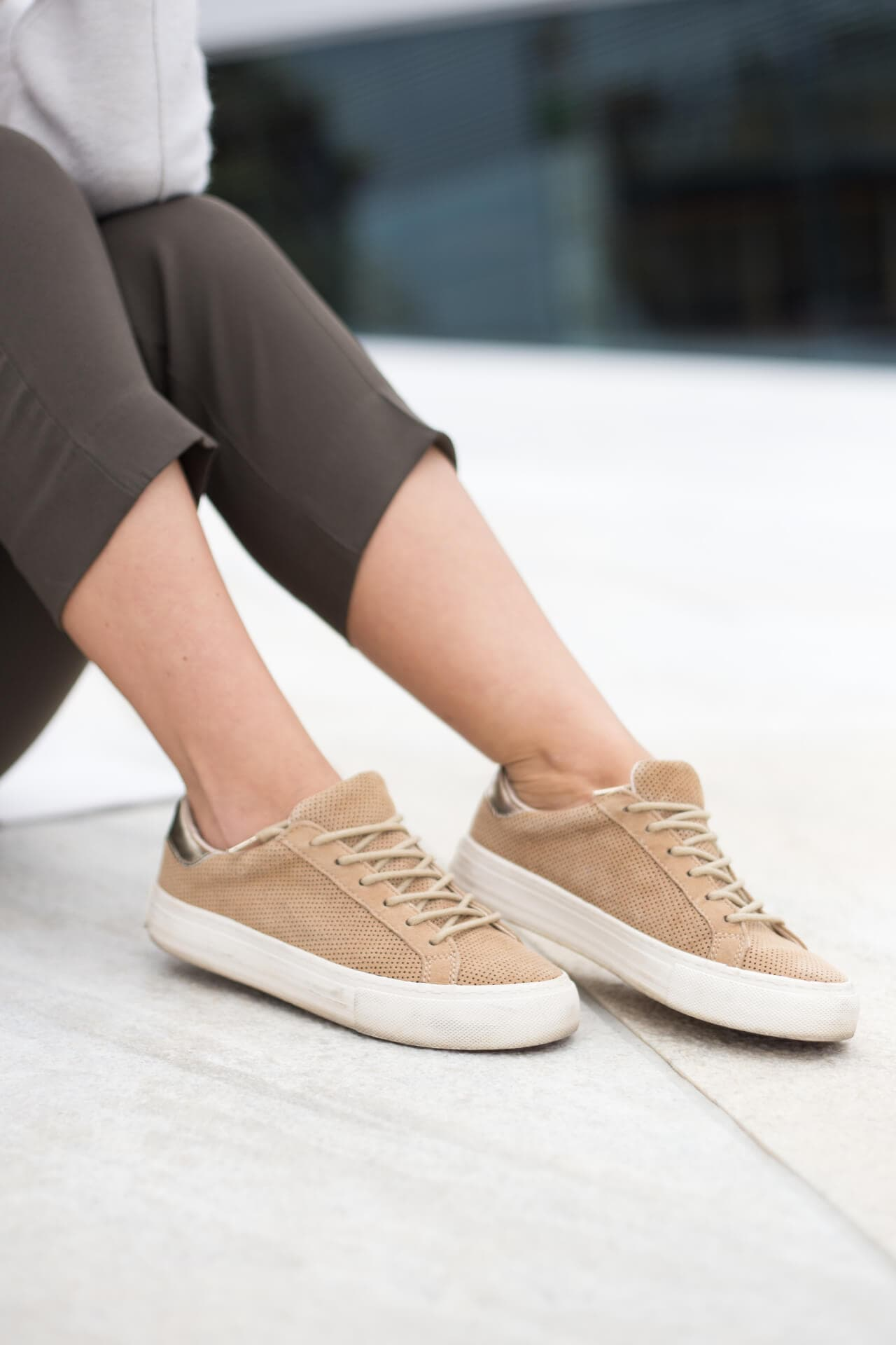 Casual Chic Sweater Anzughose No Name Shoes Sneakers