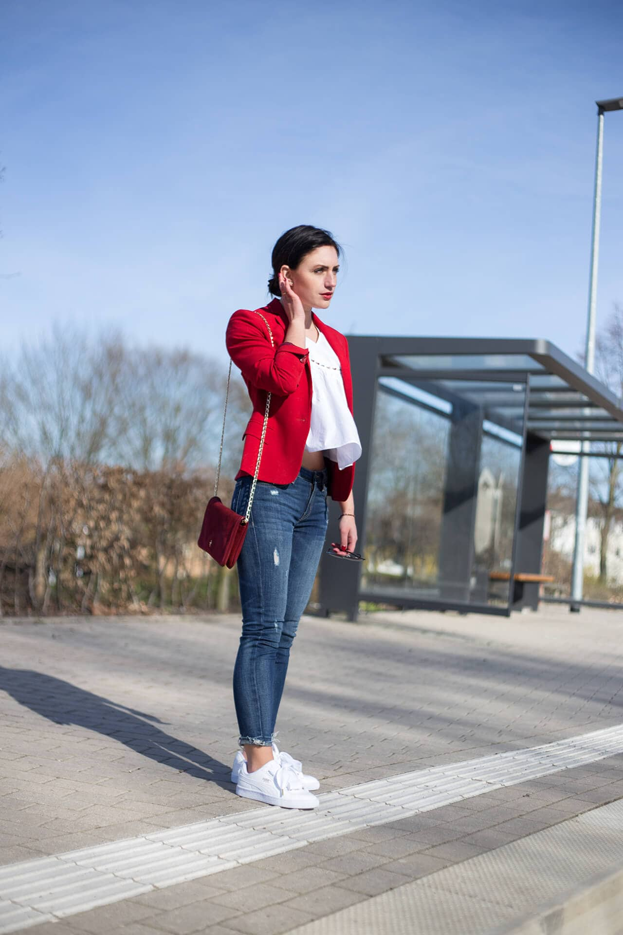 Sporty Chic roter Blazer C'est Levi Fashion Blog