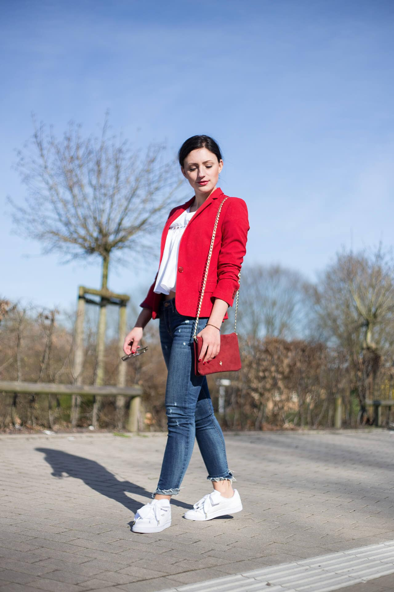 Sporty Chic roter Blazer Zara Basic
