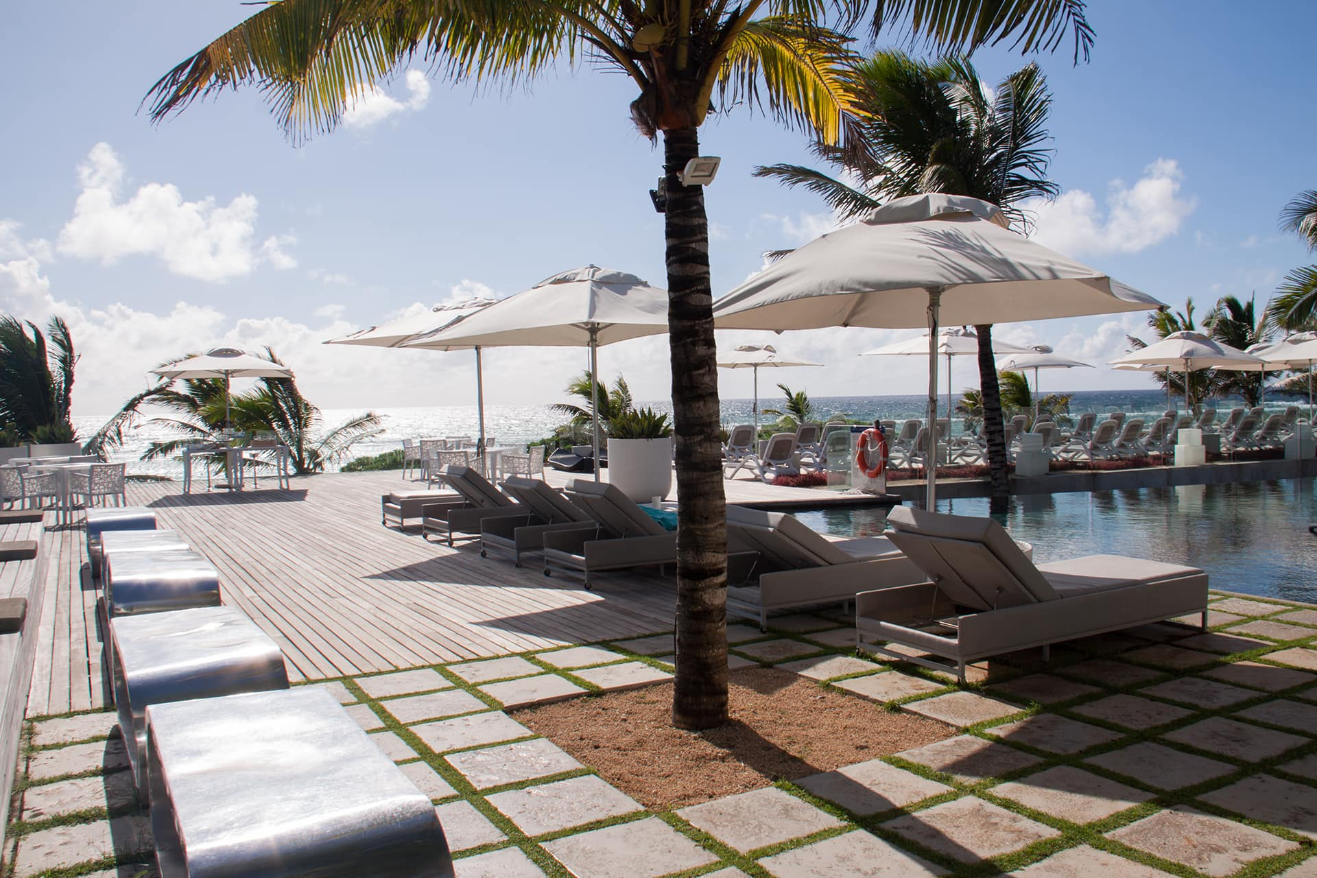 Mauritius | Radisson Blu Poste Lafayette Resort & Spa | Pool