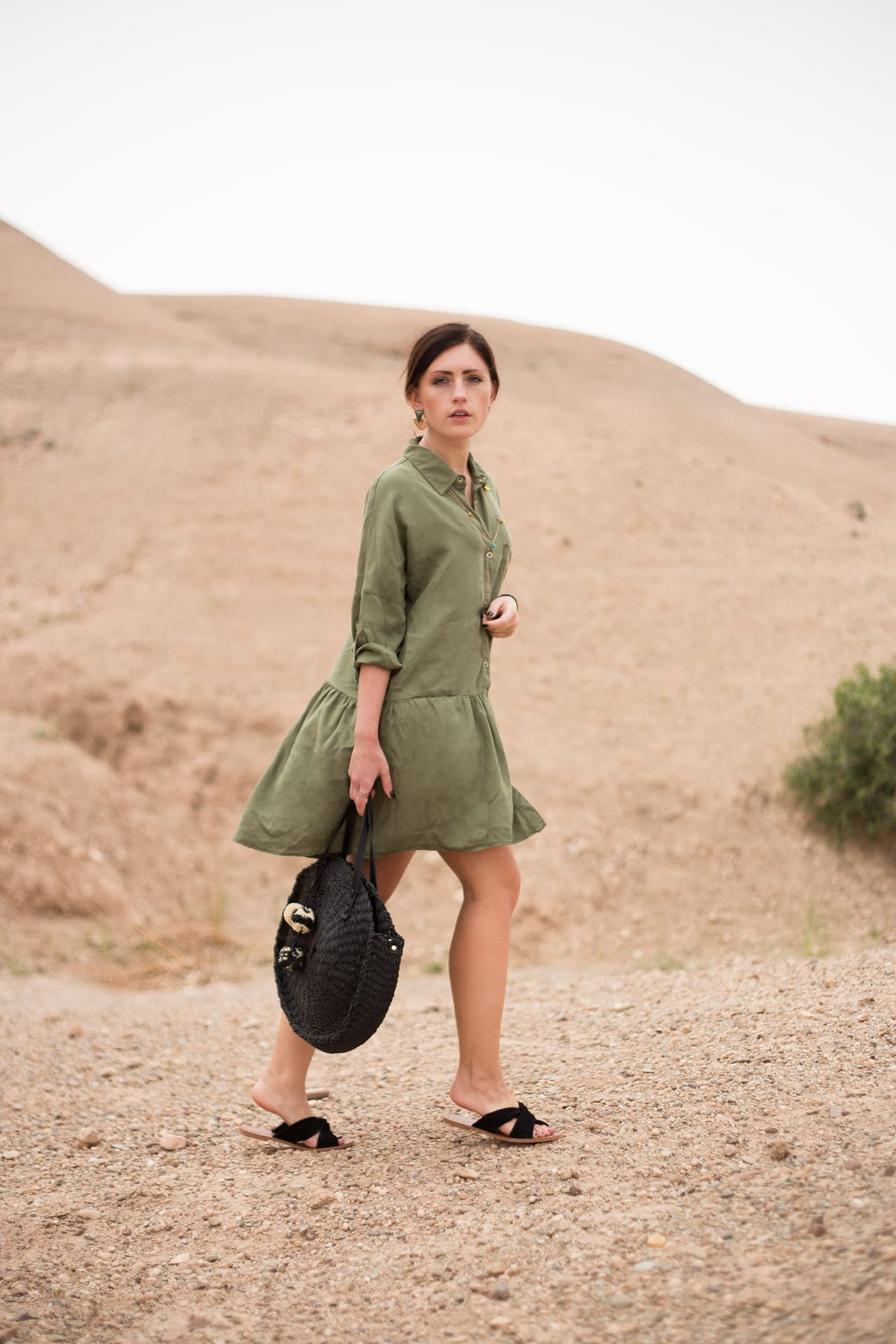 Stylisch im khaki Safari Kleid | deutscher Fashion und Travel Blog